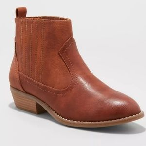 NEW SIZE 9.5 BROWN ANKLE BOOTS WOMENS SHOES